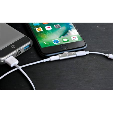 Apple Splitter Adapter   Connect Charger and Earphones At Once