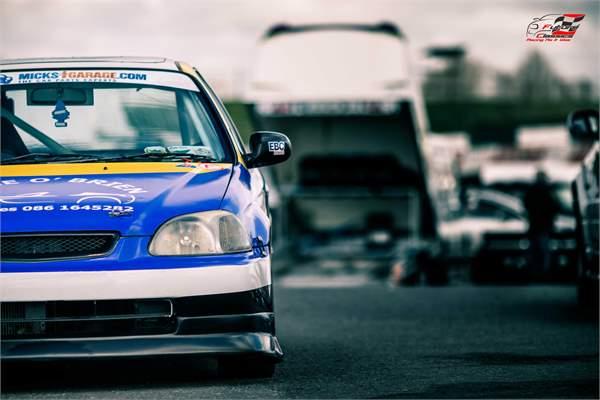 MicksGarage.com Future Classics Race Report Rounds 2 & 3