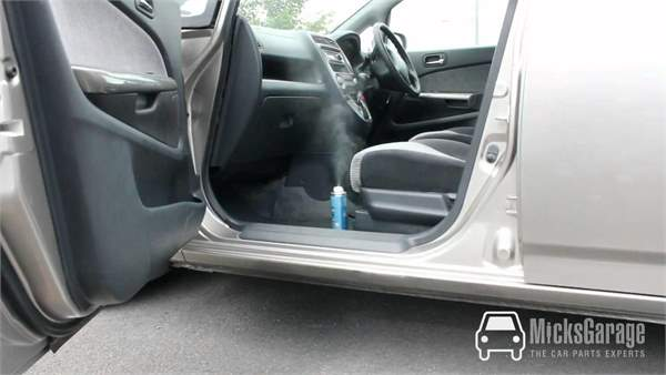 How To Remove The Smell Of Cigarette Smoke From Your Car
