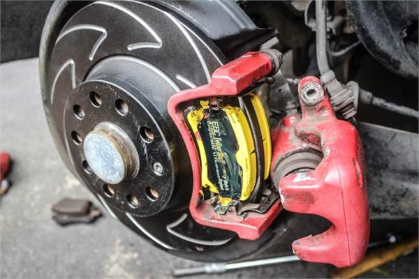 Project Gti: Mk 5 Golf Rear Brake Disc And Pad Replacement