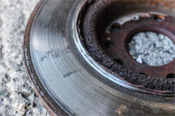 worn brake disc golf gti