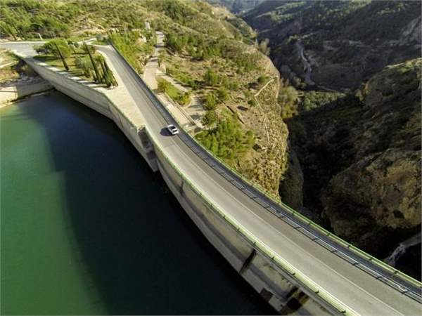 driving in spain mercedes-benz__gla__2014__177