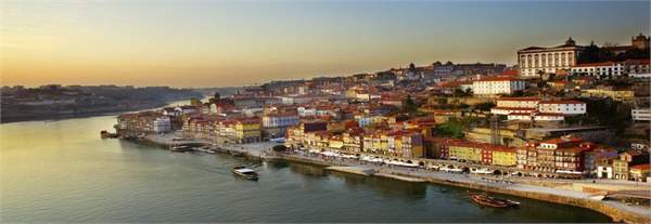 hiring a car abroad portugal