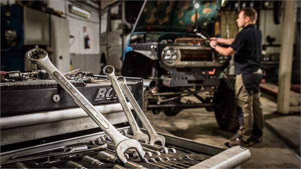 19 Tools Every Home Mechanic Needs In Their Garage