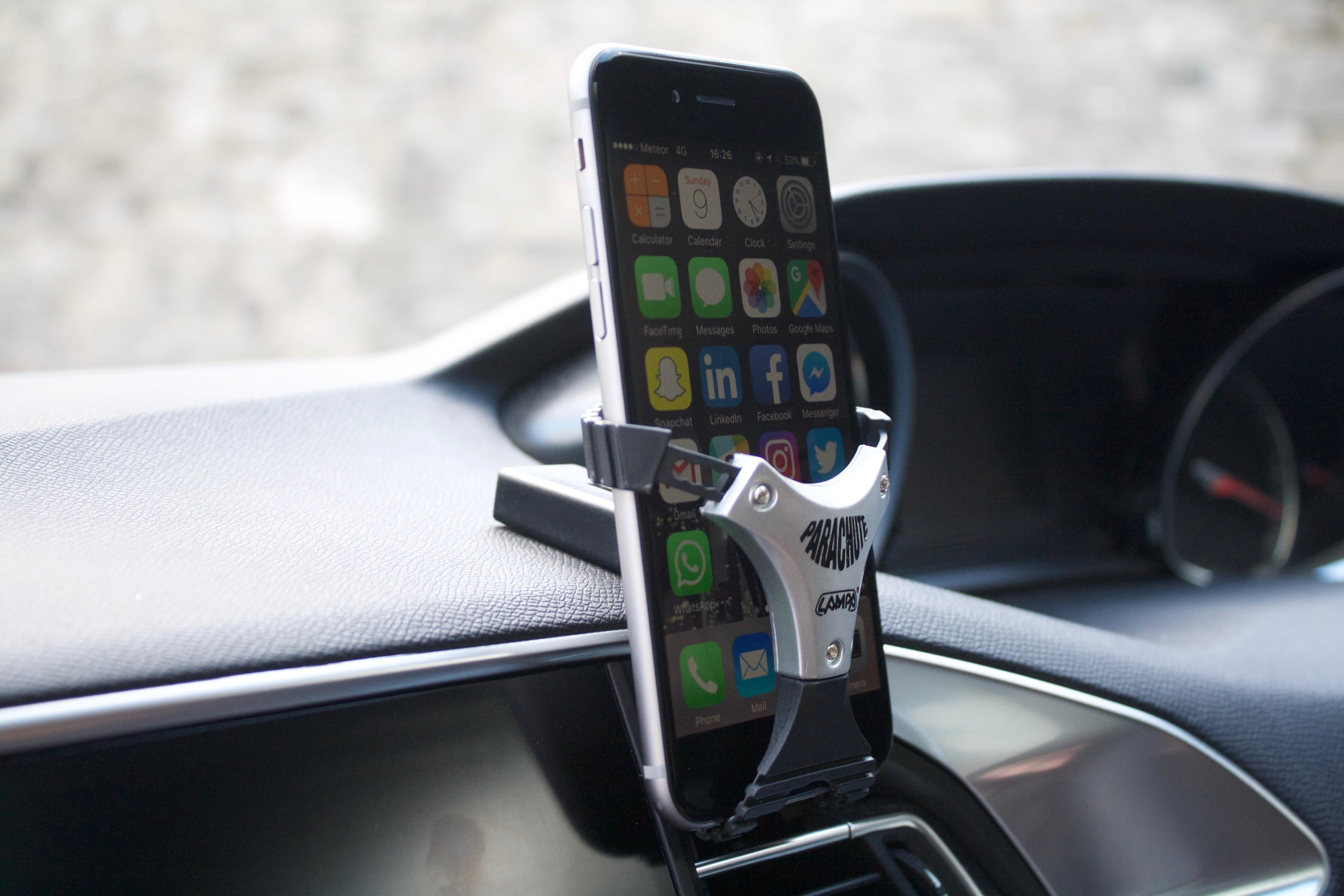 Product Review: Lampa Parachute Mobile Phone Holder