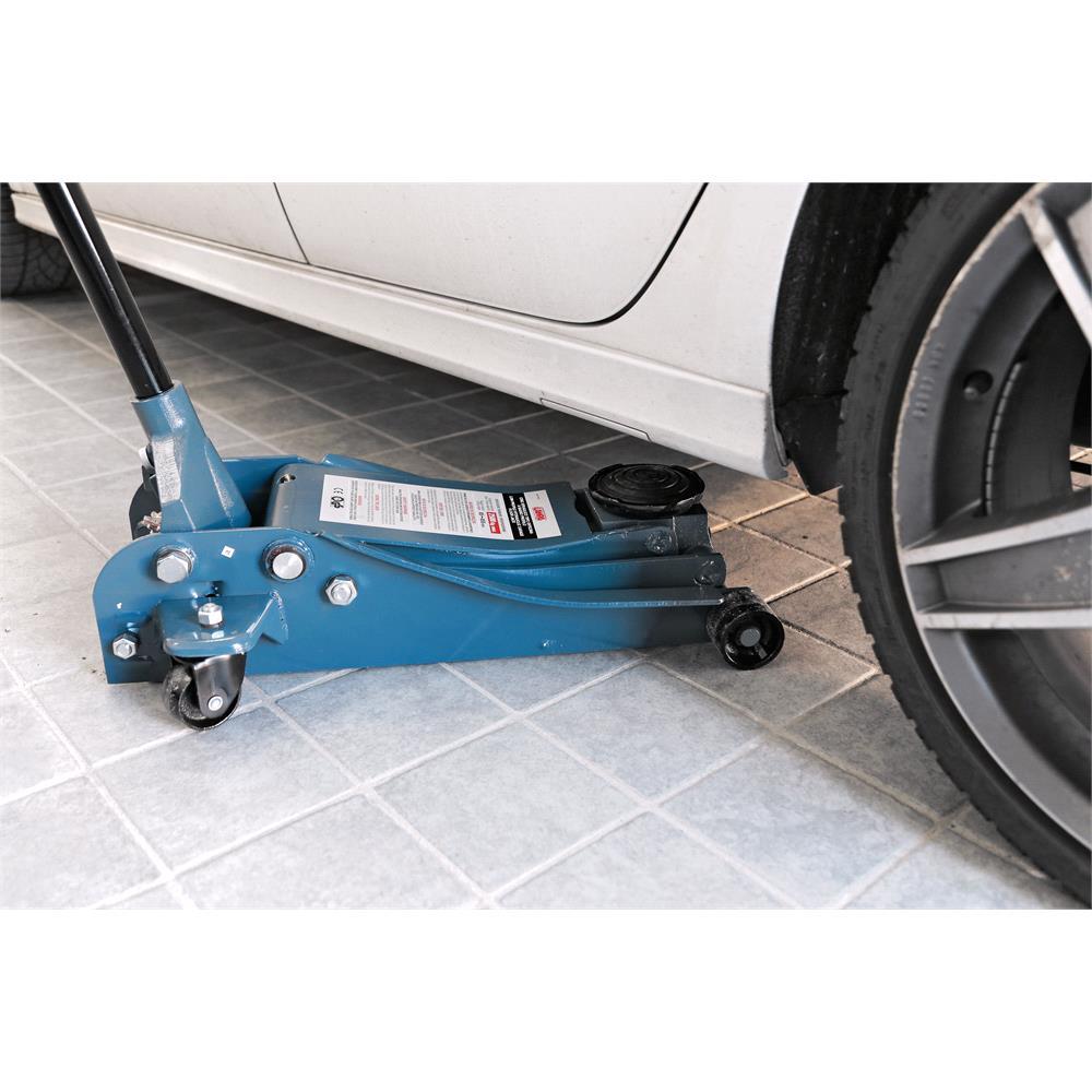Low profile hydraulic garage floor jack    2.500 kg